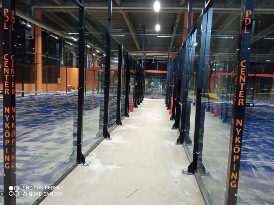 Instalación pistas de pádel en PDL Center Nykoping Suecia